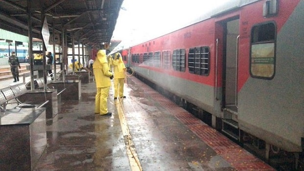 railway coach tied with chain due to amphan cyclone